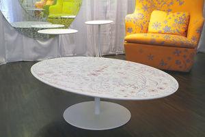 круглый кофейный столик из акрилового камня