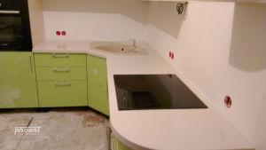 рабочая кухонная поверхность камень